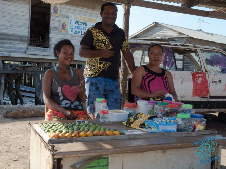 Betel nut sellers in Hanabada, Port Moresby